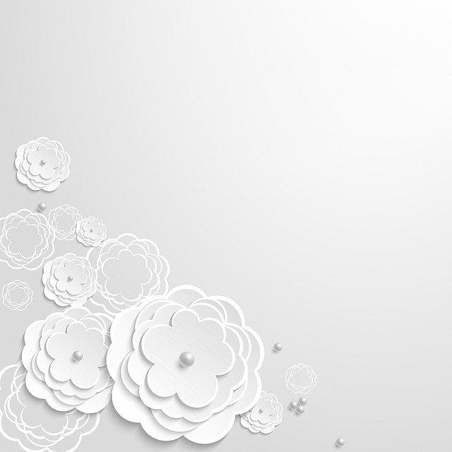 """Sivá pozvánka s """"3D"""" bielymi kvetmi.jpg"""